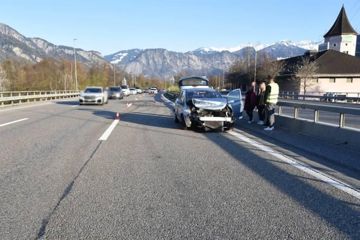 Eine Autolenkerin musste in Fläsch einem BMW ausweichen.
