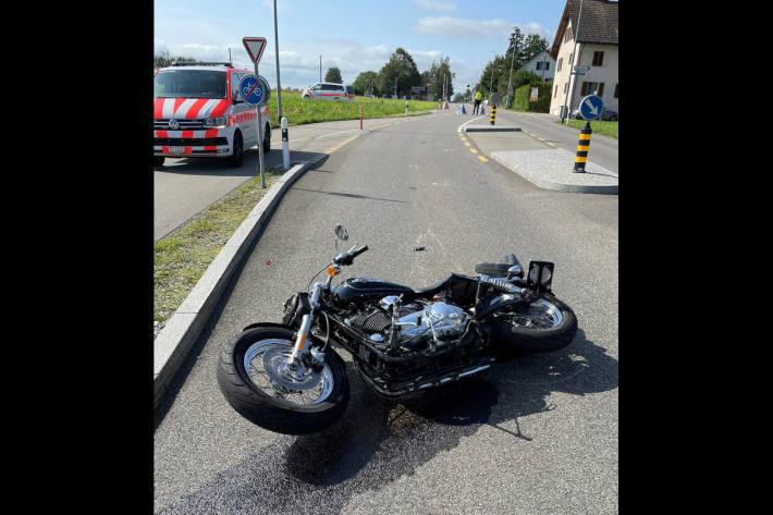 Motorradlenker bei Selbstunfall schwer verletzt in Siegershausen