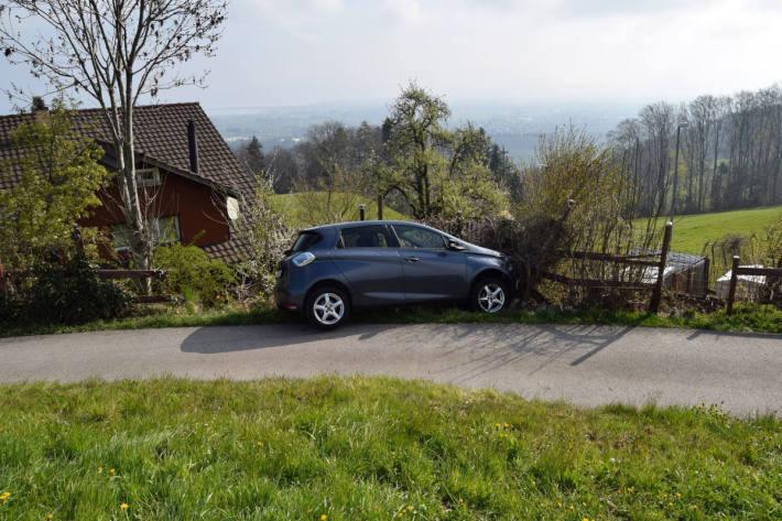Zu stark beschleunigt und Unfall gebaut in Walzenhausen AR