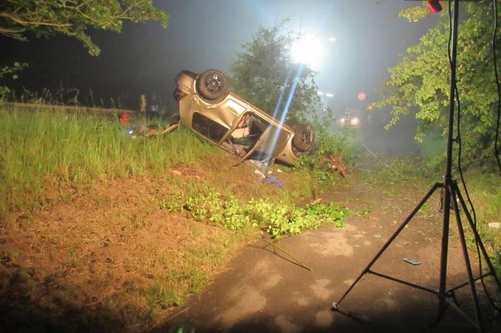 In Balve flüchteten die Insassen nach einem Unfall.