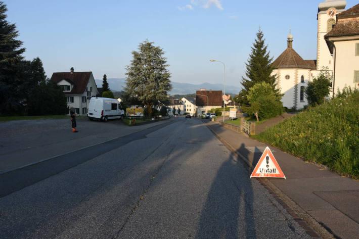 Auffahrunfall zwischen Velo und Auto in St. Gallenkappel