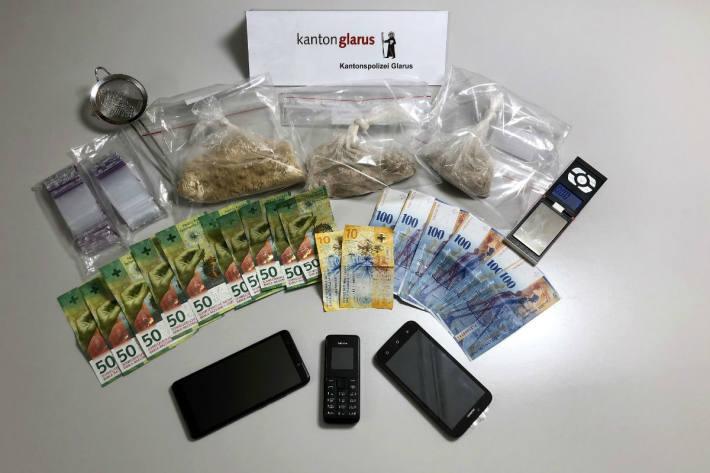 Drogenhändler in Riedern GL verhaftet