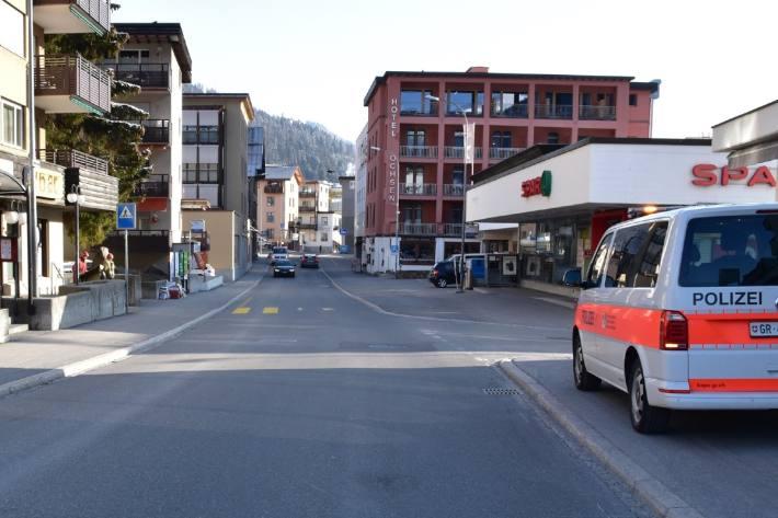 13-Jährige in Davos GR auf dem Zebrastreifen angefahren.