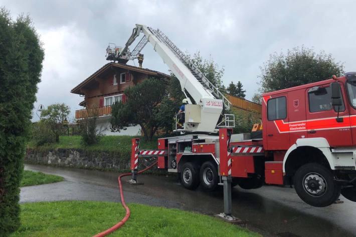 Dachstock geriet nach Blitzeinschlag in Brand in Bennau