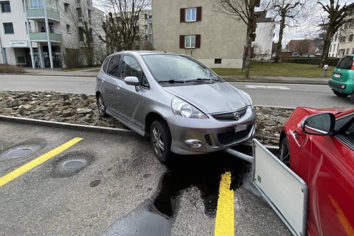 Auf Lernfahrt in Lenzburg verunfallt