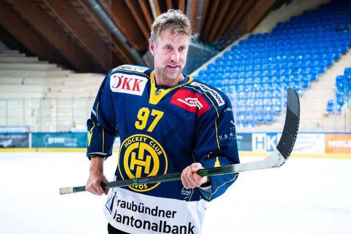 Joe Thornton stürmt für den HC Davos.