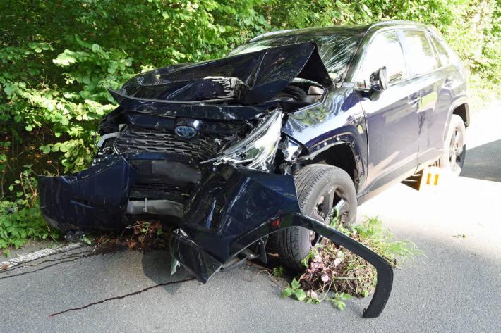 Autofahrerin nach Kollision mit Baum in Hitzkirch LU verletzt im Spital