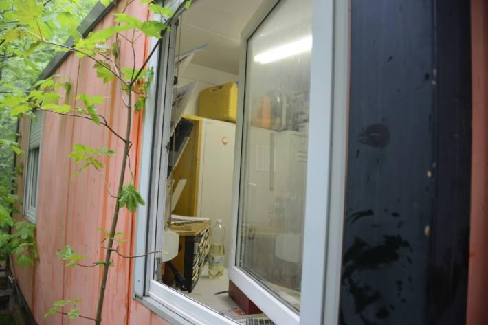 In Triesenberg FL haben Einbrecher einen Baucontainer heimgesucht.