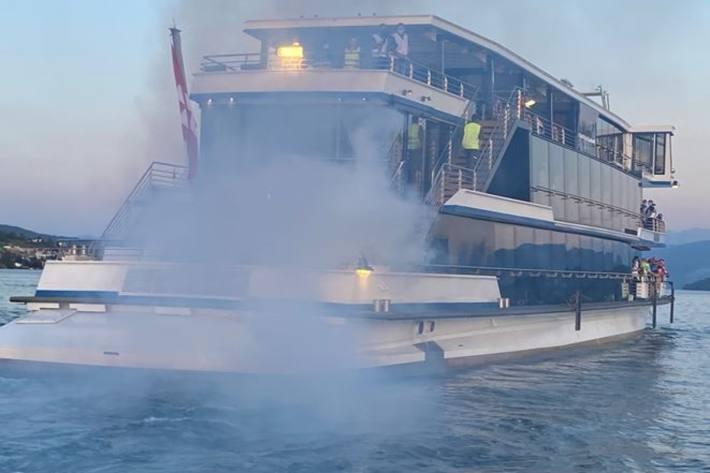 Grosse Rettungsaktionsübung auf dem Zürichsee.