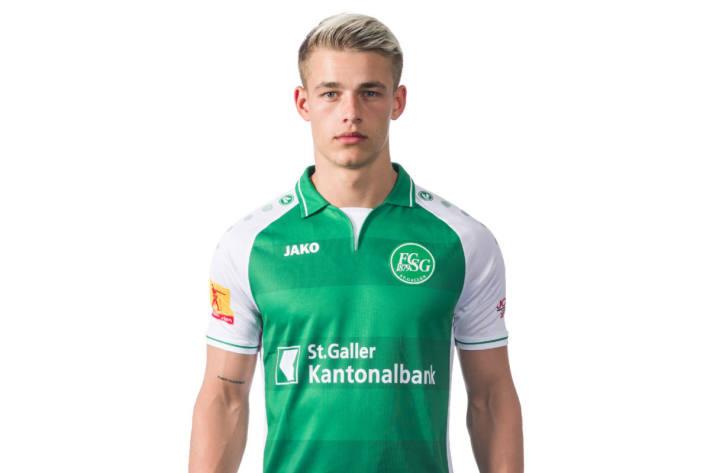 Miro Muheim bleibt St. Gallen treu.