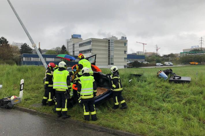 Verkehrsunfall mit einer verletzten Person auf der A12