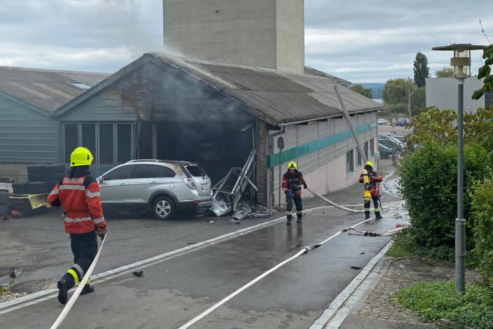 Nach Brand verletzt ins Spital geflogen