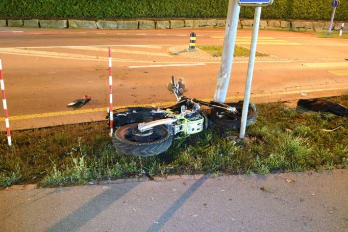 Der Motorradlenker ist in Menznau LU verunfallt und hat sich dabei verletzt.