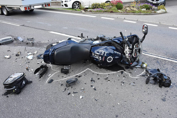 verunfalltes Motorrad in Bürglen (Lungern)