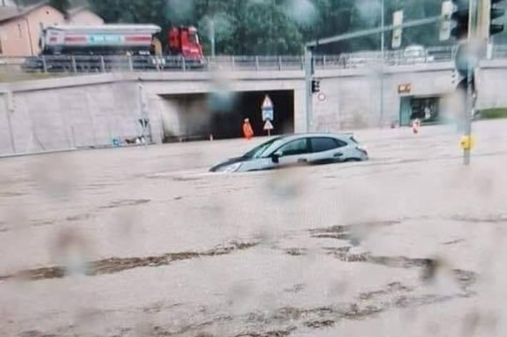 In Grancia TI war heute das Hochwasser ein grosses Problem.