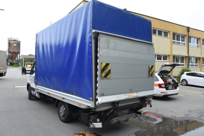 Am Unfall beteiligter Lieferwagen