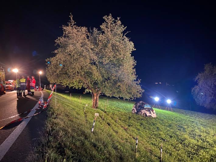 Schwerer Unfall gestern Abend in Hirzel ZH.