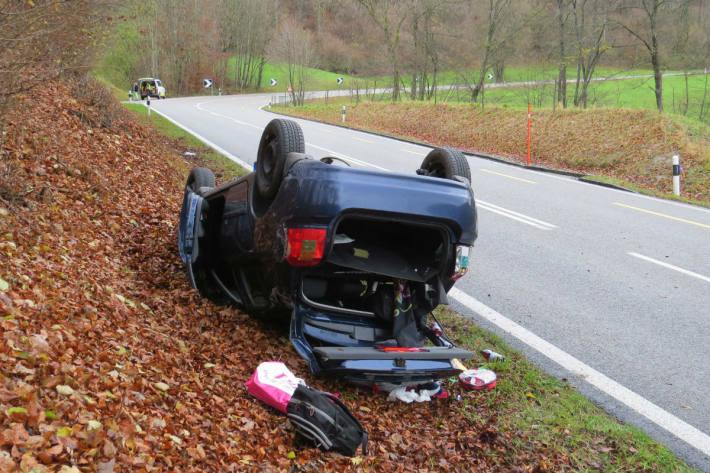 Grosser Schaden am Fahrzeug.