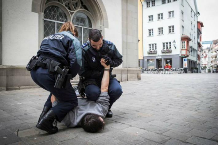 In St. Gallen wurden gestern vier Jugendliche angezeigt.