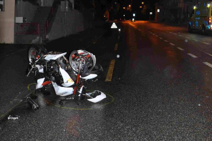 Verunfalltes Motorrad auf der Aarauerstrasse in Olten