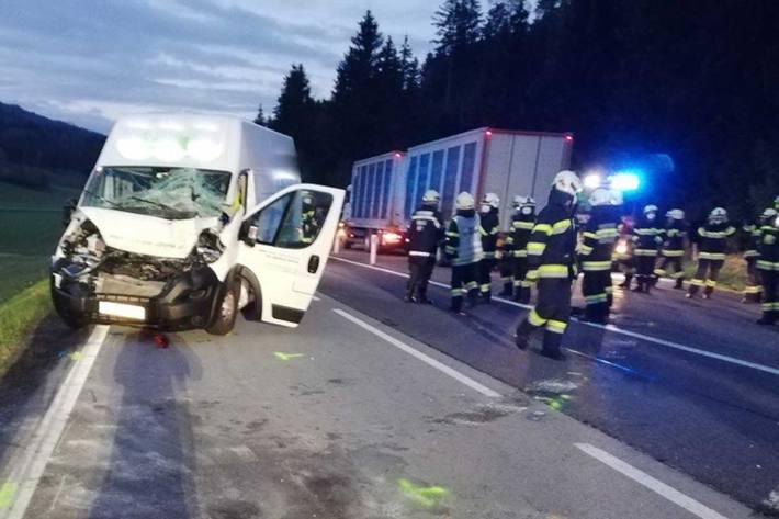 Auf der B 317 ereignete sich im Gemeindegebiet Neumarkt, Ortsteil Perchau am Sattel ein Verkehrsunfall