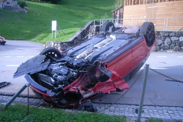Die Autolenkerin hatte beim Unfall in Spiringen UR Alkohol im Blut.
