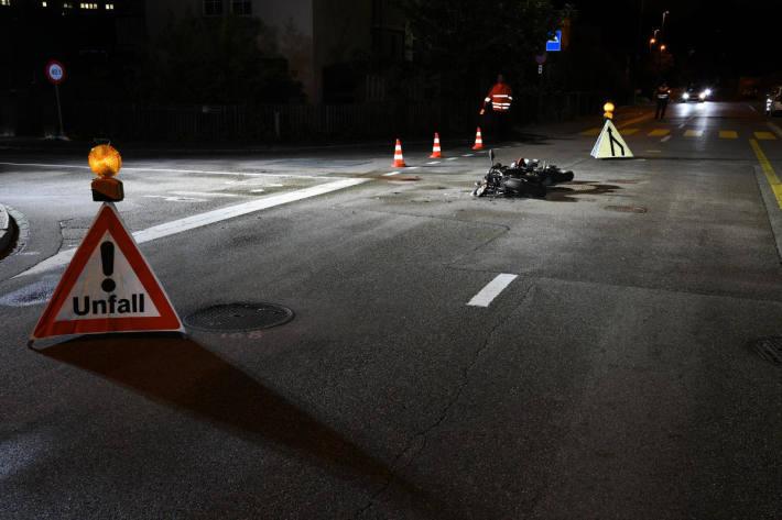 Kollision zwischen Personenwagen und Motorrad