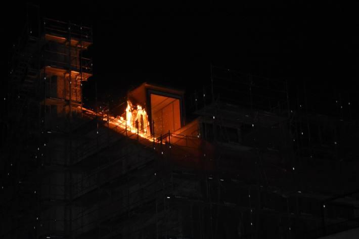 In Mels SG brannte es diese Nacht in einem Gebäude.