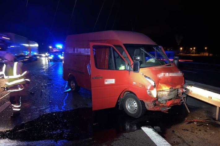 In Spreitenbach AG kam es gestern Abend zu einem heftigen Unfall.