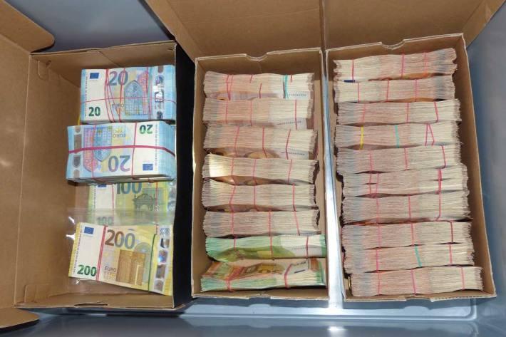 Mehr als 200.000 Euro in Freiburg beschlagnahmt