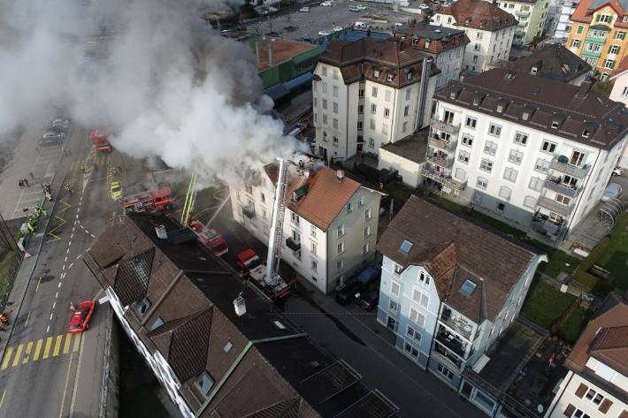 In St. Gallen brannte es heute in einem Mehrfamilienhaus.