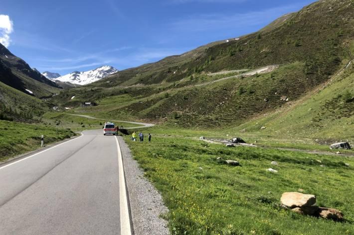 In Val Müstair GR kam es gestern zu einem Unfall zwischen Auto und Velofahrer.