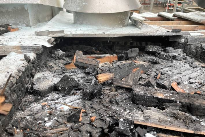 In Näfels GL kam es gestern in einem Einfamilienhaus zu einem Brand.