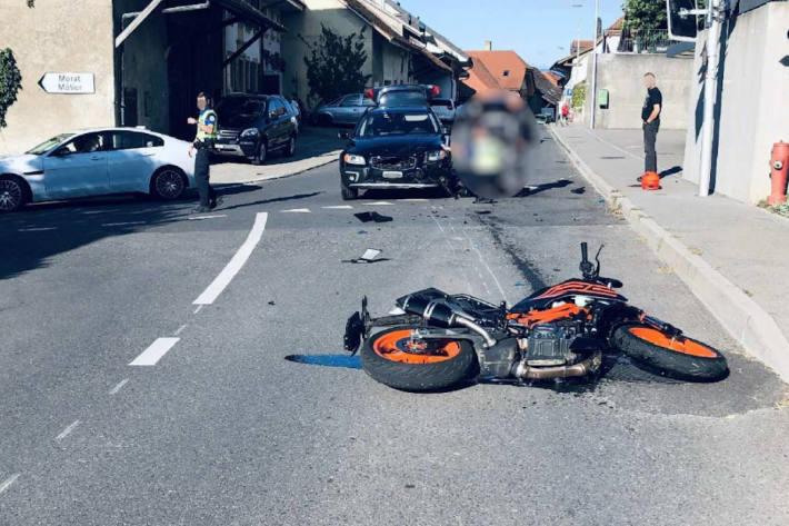 Motorradfahrerin bei Verkehrsunfall in Lugnorre verletzt