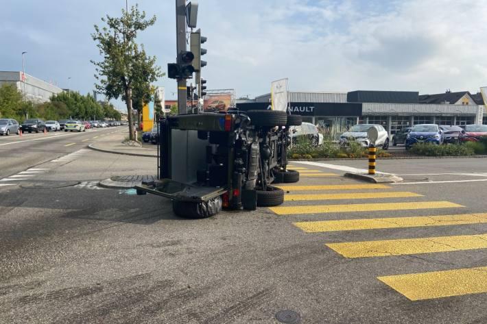 Heftiger Crash gestern in Dättwil AG.
