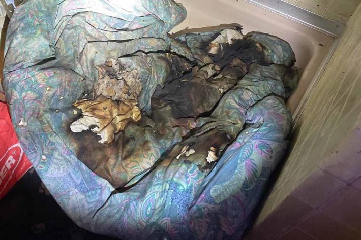 Die Bettdecke begann in St.Gallen zu brennen, konnte aber durch den Mann gelöscht werden