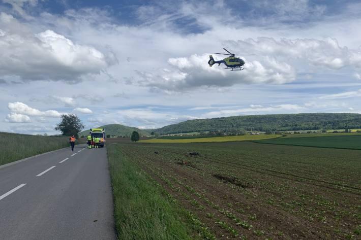 Beim Unfall in Oberhallau SH verletzte sich gestern der Motorradfahrer.