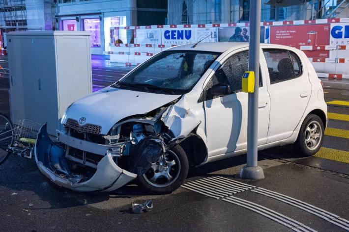 Unfall Kreuzung Limmatstrasse/Hafnerstrasse