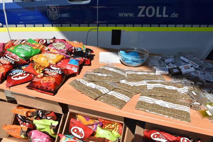 173.000 Ecstasy-Tabletten in nur einer Nacht entdeckt sowie 147.600 Cannabissamen mit einem möglichen Ertrag von rund 14,7 Tonnen Marihuana in Köln gefunden
