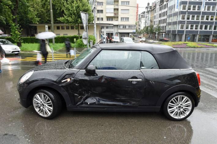 Gestern kam es in der Stadt Luzern zu einer Kollision zwischen zwei Autos.