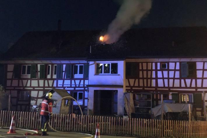 Eine Person verletzte sich beim Brand in Oberaach TG.