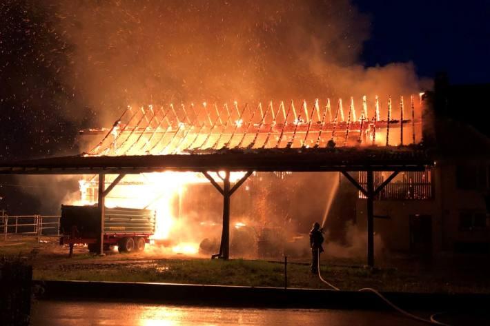 In Andwil TG wurde ein Pferdestall heute durch ein Feuer zerstört.
