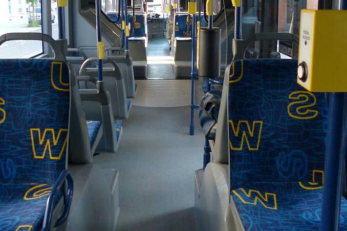 Unbekannte Täter schossen auf einen fahrenden Bus in Bremen (Symbolbild)