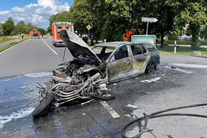 Zwei Personen wurden bei dem Verkehrsunfall verletzt