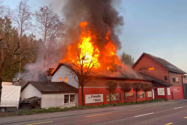 Brand verursacht hohen Sachschaden in Fislisbach