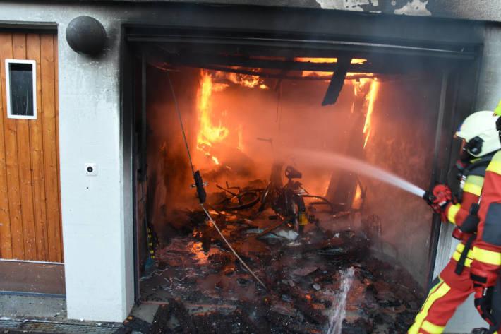 Mofa in Brand geraten in Buchs