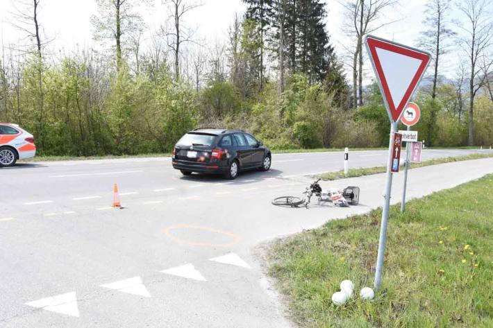 Kollision zwischen Auto und E-Bike in Balgach