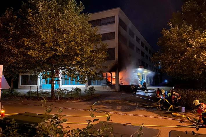 Schaden am Gebäude nach Muldenbrand in Risch-Rotkreuz ZG.