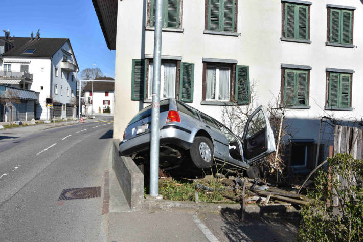 Unfallsituation in Wagen SG