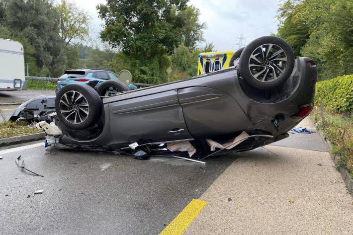 Personenwagenlenker verursacht Selbstunfall